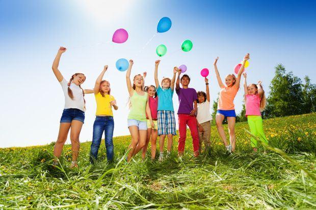 Cel mai tare cadou pentru copilul tau: distractia din Tabara NERF