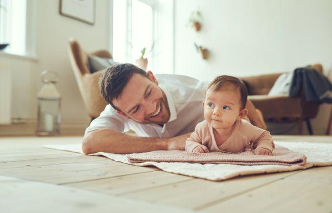 Concediul paternal pentru cresterea copilului. Cum se obtine?