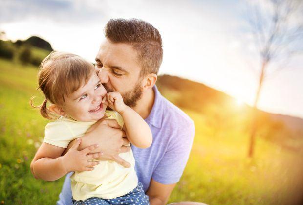 10 sfaturi ca sa fii un tata mai bun in fiecare zi
