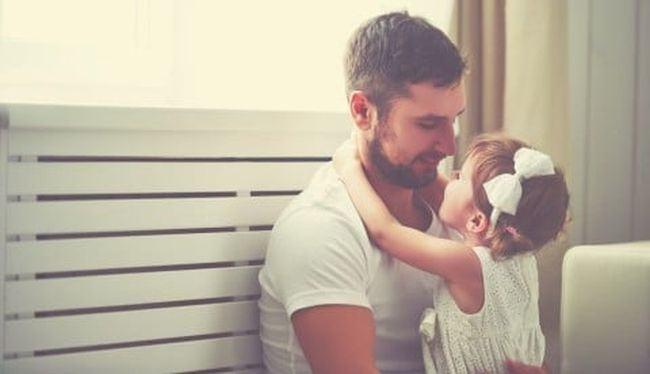 Fiica mea il vrea doar pe tati si trebuie sa recunosc ca asta doare