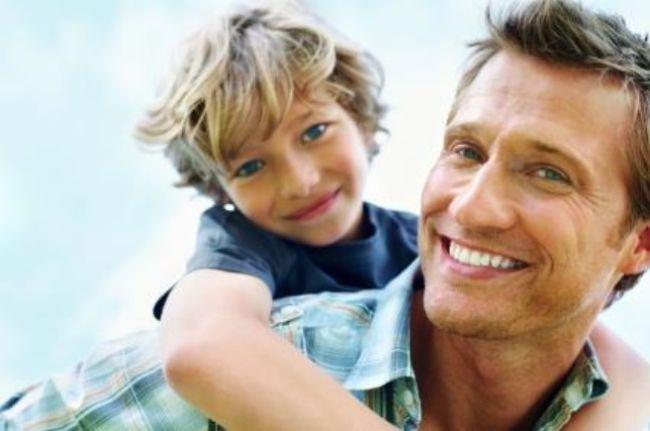 S-a demonstrat stiintific: Tatii sunt mai fericiti ca parinti decat mamele