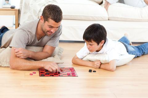 Cele 13 porunci pentru tatii de baieti