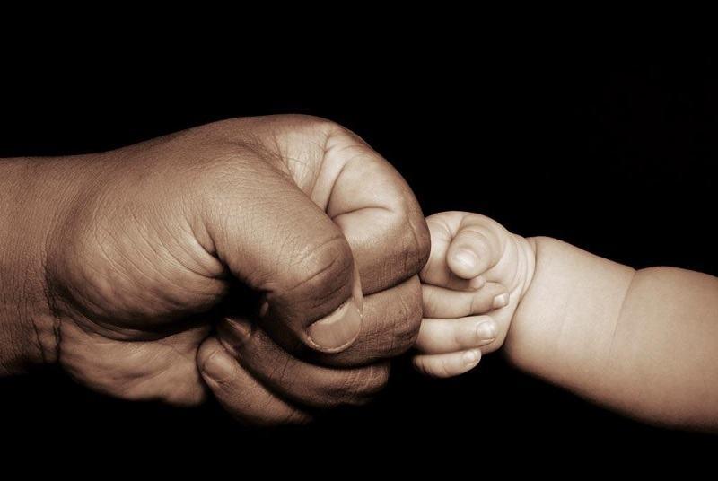 Ramas fara un picior, un tata din Calarasi face zilnic naveta pentru a-si creste cei 6 copii