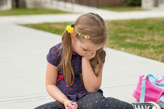 Teama de serbare: cum il ajuti pe copil sa isi inteleaga si sa isi exprime emotiile?