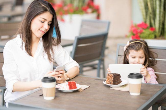 Un lant de restaurante ofera mancare gratuita pentru copii. Ce trebuie sa faca parintii