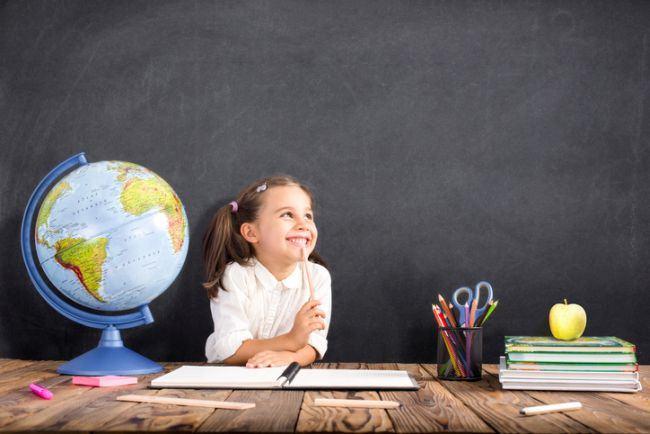 3 motive pentru care ar fi mai bine sa nu-ti ajuti copilul la teme