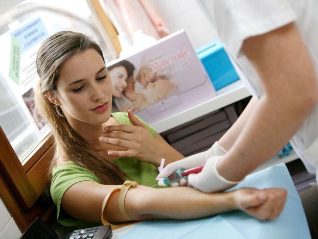 Pentru a nu se mai naste copii cu malformatii, autoritatile vor teste de screening natal gratuite