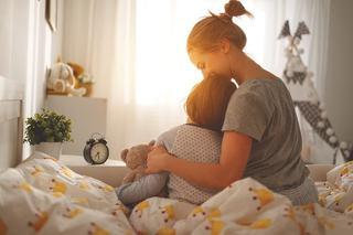 Tot ceea ce copilul tau nu iti spune cand te imbratiseaza sau te roaga sa-l imbratisezi