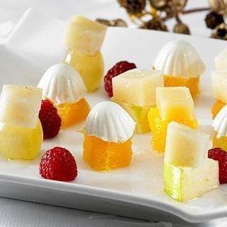 Macedonia - fructe cu Emmentaler si Miez de Lapte