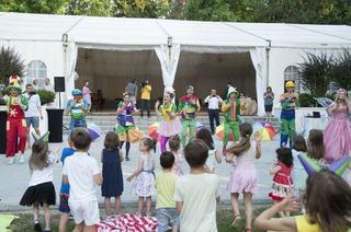 Gasca Zurli a facut primul antrenament pentru Cartea Recordurilor la primul picnic din Zurlandia!