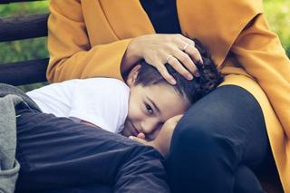 4 greseli pe care le faci in cresterea copilului atunci cand il protejezi prea mult