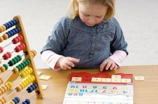 Invatam literele, numerele si culorile