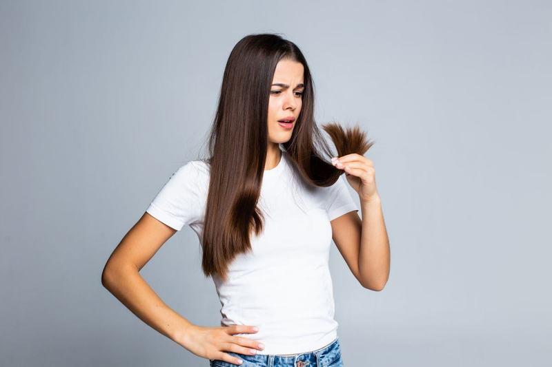 De ce ne pica parul dupa nastere? Cum gestionezi alopecia postpartum