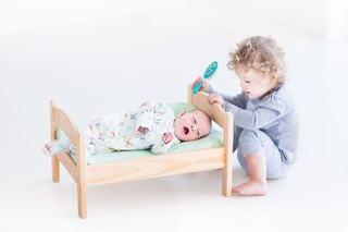 Idei de cadou de la nou-nascut pentru fratele mai mare