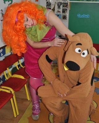 Intalnirea de sambata dimineata cu Scooby Doo si Daphne