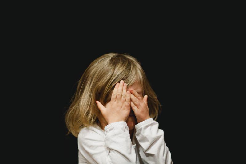 Cinci lucruri pe care sa nu le spui niciodata copilului cand plange