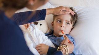 Ce NU trebuie sa ii dai copilului mic atunci cand este racit?
