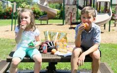 Ce sa ai in geanta pentru parc, daca copilului i se face foame