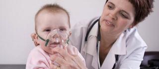 """Pediatru, despre tratamentul pentru bronsiolita: """"Vor primi un tratament ce reflecta prejudecatile noastre"""""""