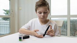 Un baietel, in stare grava dupa ce mama a confundat simptomele diabetului cu o infectie