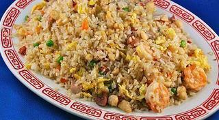 Orez chinezesc cu ou