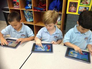 Secretar de stat: Cele 250.000 de tablete  nu vor ajunge in scoli pana la 10 septembrie