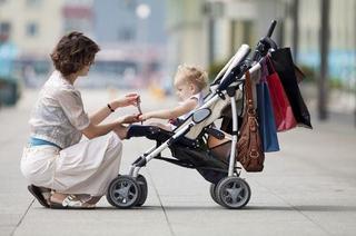 Cu bebelusul la plimbare. Cum iti porti bebelusul?