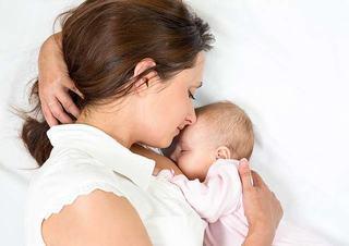 Laptele matern: sfaturi utile pentru pompare si depozitare