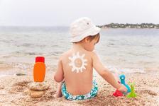 Crema cu SPF, indispensabila pentru copii. Cum, cand si de cate ori se aplica