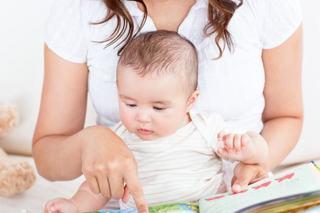 Cum sa ii citesti bebelusului tau, in functie de varsta