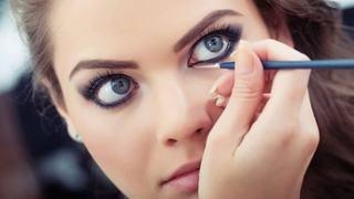 Cum sa-ti aplici tusul pentru ochi
