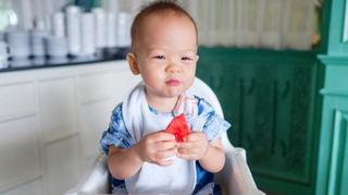 Mancarea pe care copilul tau o mananca in primii doi ani va avea un impact pentru  toata viata