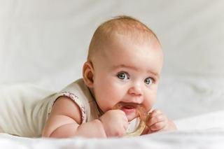 Dureri dentare? Cum calmezi bebelusul