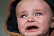 Ce este angoasa lunii a opta si ce trebuie sa faci pentru a-ti linisti copilul