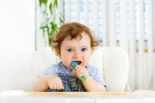 Alimente interzise bebelusilor, in functie de varsta