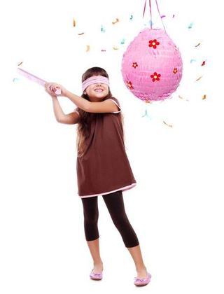 Pinata: atractia petrecerilor pentru copii