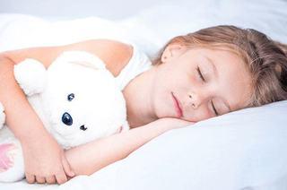 Somnul profund la copii: cele 10 reguli pentru a-l face sa se odihneasca