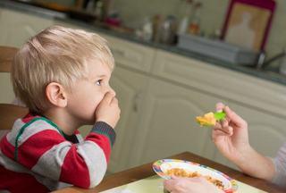INTERVIU: Consultantul in nutritie, Andreea-Carmen Radu: Indopatul copilului cu mancare duce la tulburari de alimentatie