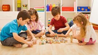 5 tipuri de jucarii educative pe care orice copil trebuie sa le aiba