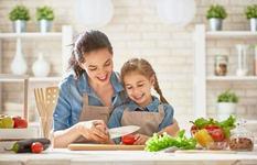 Cum am reusit sa ne imprietenim cu fructele si legumele?
