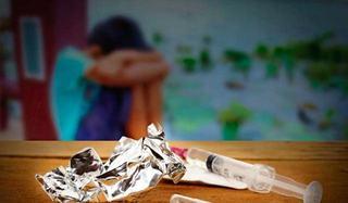 Studiu. Abuzul asupra copiilor creste riscul de a consuma droguri