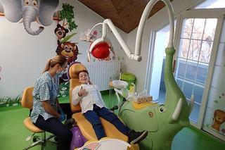 Transforma vizita la dentist intr-o poveste pentru cei mici