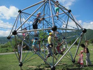 SOS Planet After school – Casa de dupa scoala. Locul unde copiii invata si experimenteaza prin joc