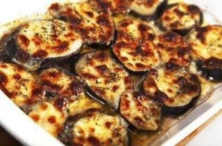 Mancare de vinete cu mozzarella