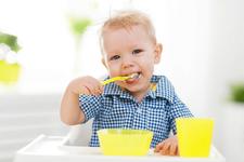 Niveluri periculoase de metale grele toxice in mancarea pentru bebelusi
