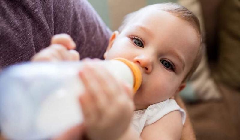 O mamica din Constanta si-a gasit fetita moarta dupa ce i-a dat sa manance