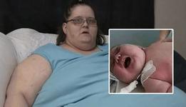 O femeie de 272 de kilograme a nascut cel mai mare copil din lume. Medicii au crezut ca sunt 2 sau 3 bebelusi