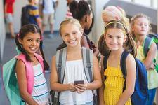Cu telefonul mobil la scoala: argumente PRO si CONTRA