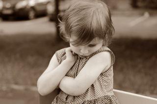 """Cum ajuti un copil timid sa iasa din """"carapacea"""" lui"""