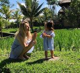 Laura Cosoi, o mamica curajoasa: cu fetita de un an in Bali